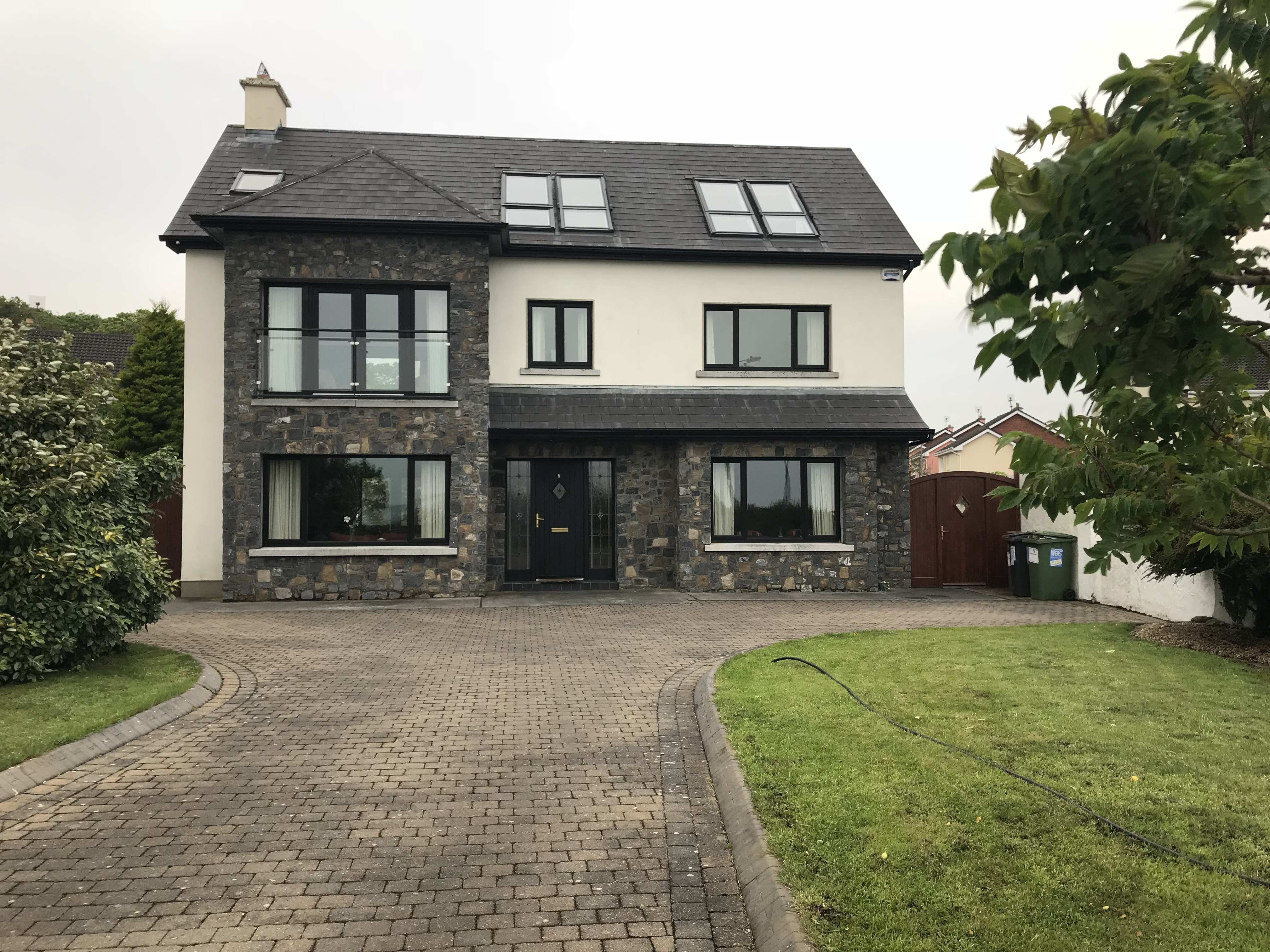 208 Bluebell Woods, Oranmore, Co. Galway.