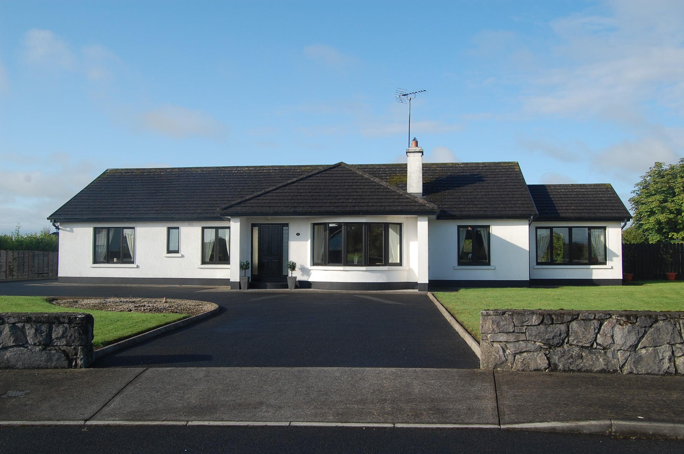 3 Caislean Cuirte, Corofin, Co. Galway Eircode: H54 X854