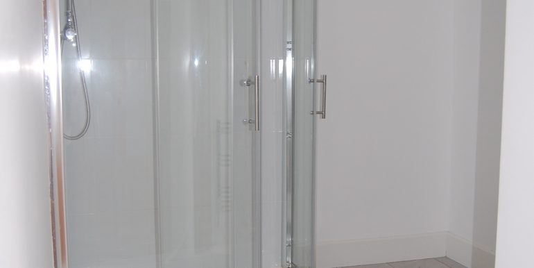 Main bathroom 1st floor (1)
